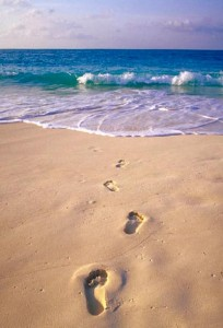 inspirational-life-quote-footprints-in-sand-204x300