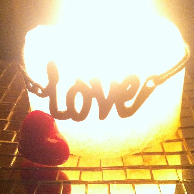 LOVE candle heart in tub