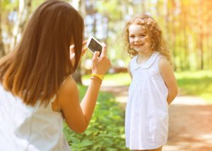 Safety Tips for Photos, Taking Photos of Kids, Photos of Kids Tips, Sharing Photo Safely, U.S. Cellular, Safety precautions when sharing photos, Protect your children, Protect Your Photos, Sharing Photos Online