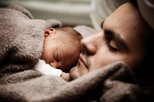 baby_and_dad_sleeping